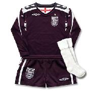 07-09 England Home Gk Infant Kit
